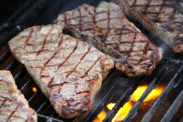 steak from common grilling mistakes